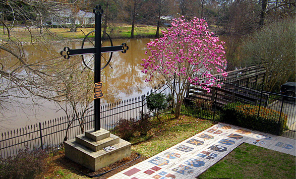 memorial-attractions-the-deportation-cross